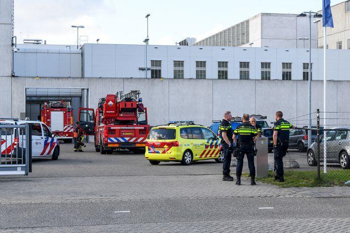 Er kwamen maandagavond nogal wat hulpdiensten naar de Alphense gevangenis. Een gedetineerde stichtte brand, maar die was snel onder controle.