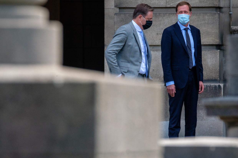 Bart De Wever (N-VA) en Paul Magnette (PS) aan het Koninklijk Paleis.
