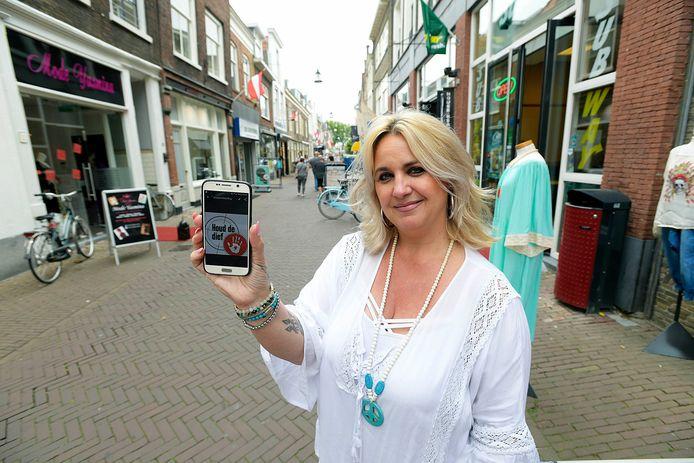 Linda Robbemont zit ook in de appgroep.