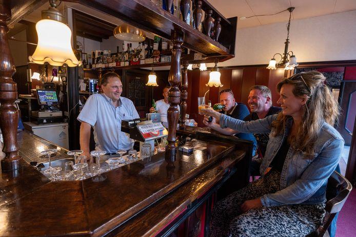 De horeca mag weer open en ook de ondernemers in Dronten zijn daar maar wat blij mee.