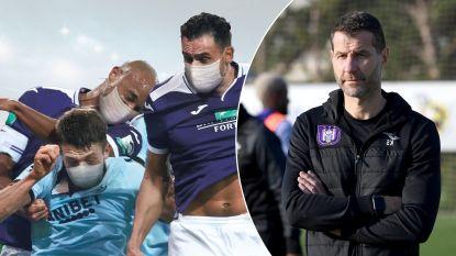 """Kristof Sas, spoedarts en hoofd van de medische cel van Anderlecht: """"Mogelijk moeten we voetballen met mondmasker"""""""