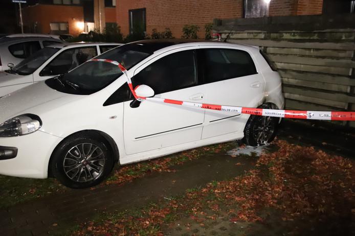 Een beginnende autobrand in Culemborg werd op tijd geblust. De brand is vermoedelijk begonnen bij het achterste wiel.