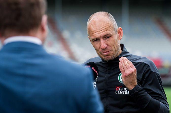 Arjen Robben geëmotioneerd voor de camera bij ESPN.