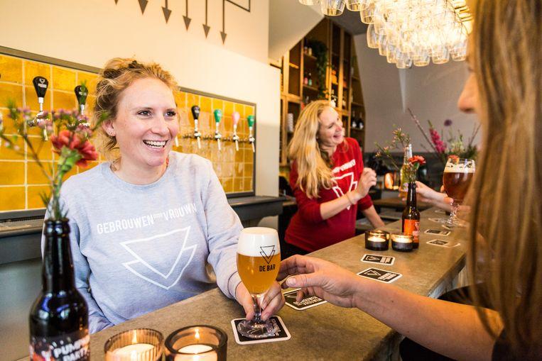 De opening van brouwerij 'Gebrouwen door Vrouwen'.  Beeld Tammy van Nerum