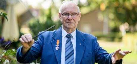 Dirigent Bert (86) veroverde Europa met Keukenorkest; 'De lock-down leverde mij zes nieuwe nummers op'