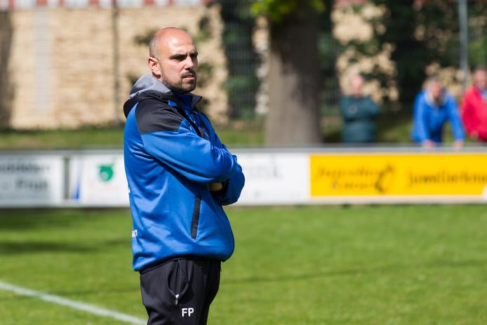 Fernando Pascale is nu nog trainer van HVV Hengelo, volgend seizoen staat hij aan het roer bij Sportclub Enschede.