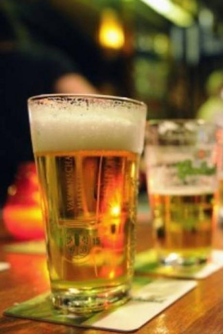 Oplossing in strijd tegen alcohol: véél praten