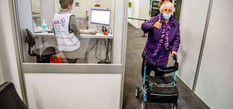 Bijna 90 procent van bewoners in Zeeuwse verpleeghuizen is gevaccineerd, stapje voor stapje worden regels versoepeld