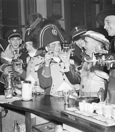 In de oude stationsrestauratie van Oss was drank, eten en je kon er daten