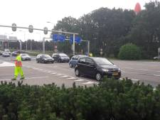 VIDEO: Efteling zet verkeersregelaars in tegen files