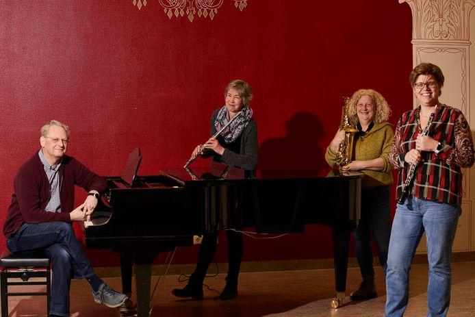 De muziekdocenten en bestuursleden Frank Sterenborg, Gerlien Hilhorst, Marijke Druif en Ira Wunnekink behoren tot de oprichters van het Segno Collectief