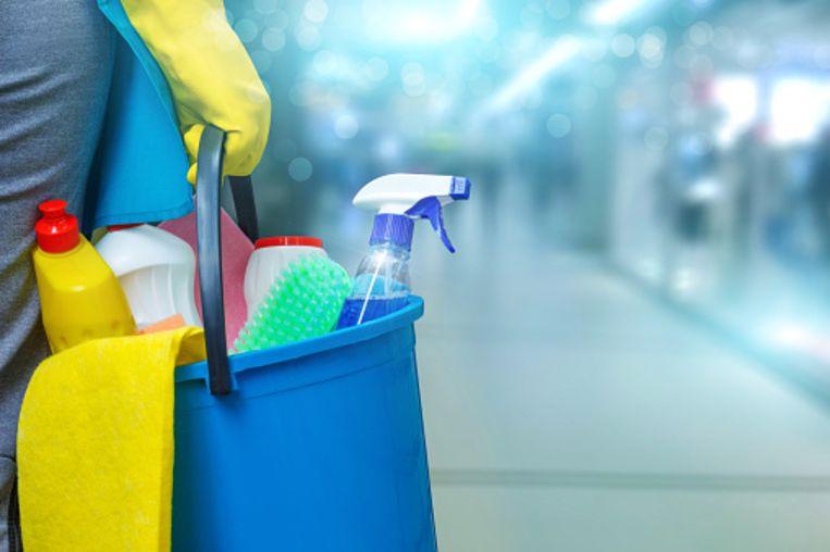 OCMW-raadslid David Van Vooren maakt zich zorgen om de thuiszorg- en poetsdiensten in Sint-Pieters-Leeuw.