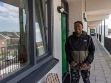 Renovatie flat Gageldonk zorgt dat bewoners weer naar elkaar omkijken: 'Ik kende de buurvrouw niet'