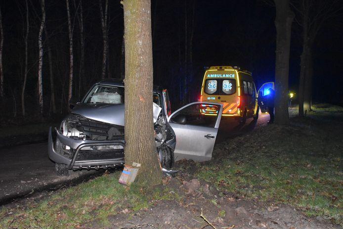 Bij een ongeluk in Meppel raakte een automobilist gewond.