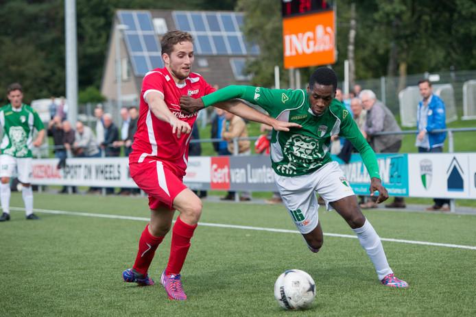Max Jansen (links) speelt volgend seizoen toch voor DFS Opheusden.