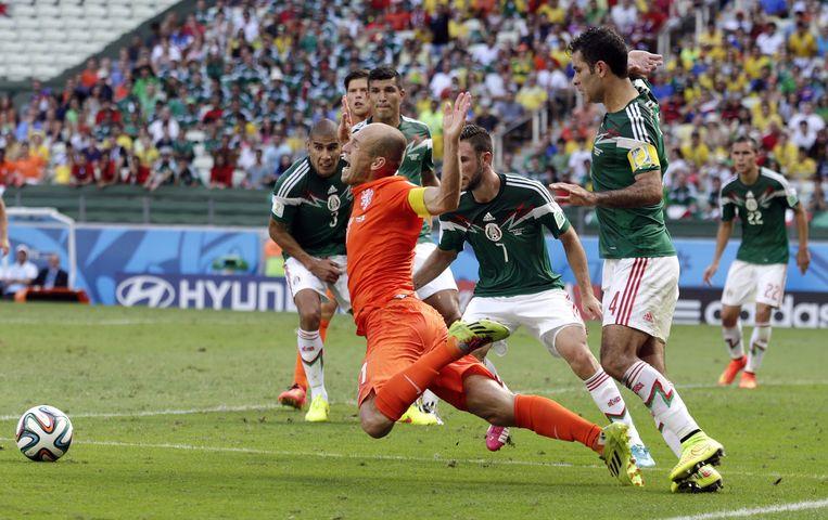 De wedstrijd tegen Mexico eindigde in de verlenging met een overwinning voor Nederland (2-1). Beeld ap