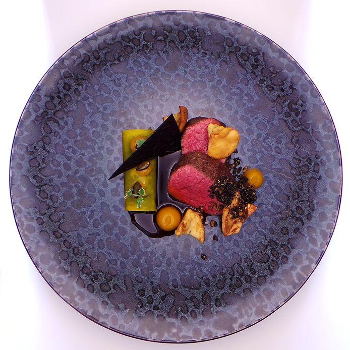 Takeaway van Best of Antwerp, een concept van Viki Geunes (Zilte***) en Jonas Kellens (Dim Dining): hertenkalf.