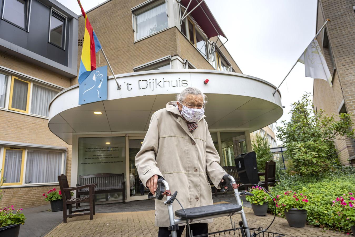 't Dijkhuis in Bathmen doet er alles aan om corona buiten de deur te houden.