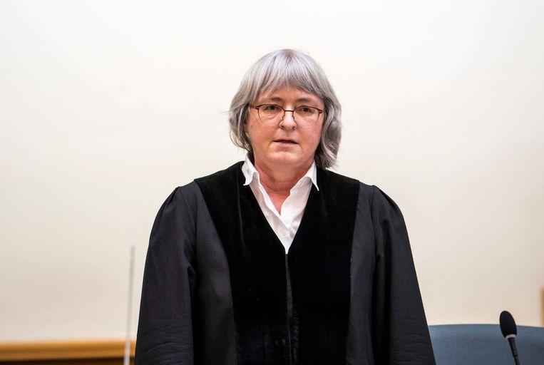 Rechter Anne Kerber tijdens de uitspraak in de rechtszaak van een Syrische beklaagde die beschuldigd wordt van misdaden tegen de menselijkheid op 24 februari 2020 Beeld AFP