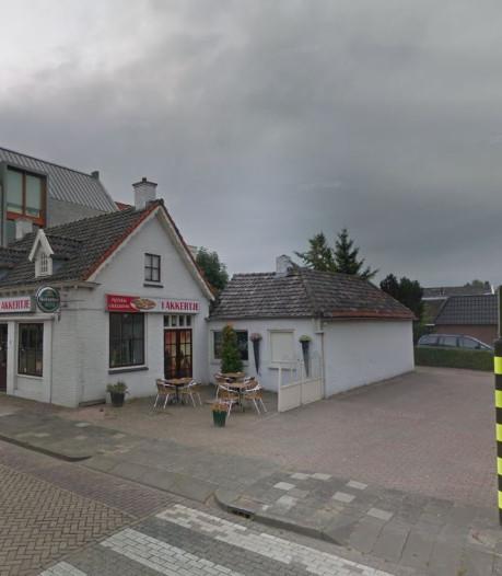 Man (33) gewond bij grote vechtpartij in pizzeria in Vlijmen, politie zoekt meer slachtoffers