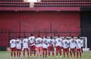 Spelers van Independiente met 'Maradona-shirts'.