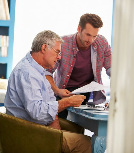Hoe kan ik mijn ouders helpen hun geldzaken goed te regelen?