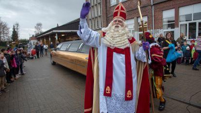 Sint met gouden limousine naar Sint-Theresia