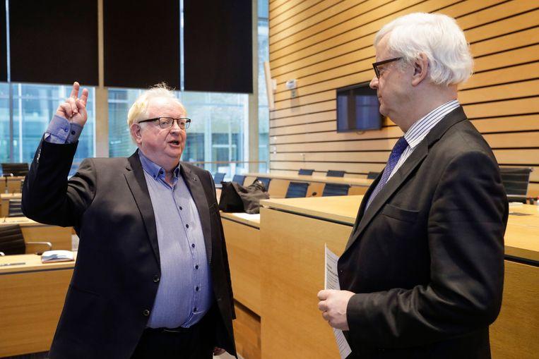 Hugo Vandaele legde bij de provinciegouverneur de eed af als burgemeester. In het schepencollege zijn nu ook alle bevoegdheden verdeeld.