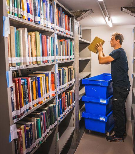 """Boeken keren terug naar Boekentoren na jarenlange renovatie: """"Pas over drie jaar zal de toren weer helemaal gevuld zijn"""""""