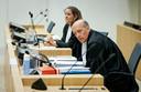 Sabine ten Doesschate en Boudewijn van Eijck, de advocaten van verdachte Oleg Pulatov.