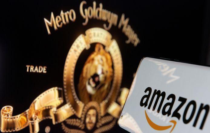 De logo's van filmstudio MGM en Amazon.
