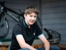 Merijn (13) moest weer opnieuw leren lopen en praten na zijn zware BMX-ongeluk: 'Ik wil ooit weer kunnen fietsen'