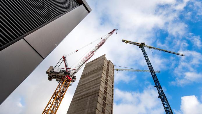 De bouwlocatie aan de Zuidas waar een kantoor voor het geneesmiddelenbureau Europees Geneesmiddelen Agentschap (EMA) wordt gebouwd. De nieuwbouw is waarschijnlijk in november 2019 klaar.