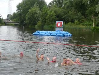 Machelenaars wijden nieuw Roger Raveelplein in met volksfeest en Leie Jump