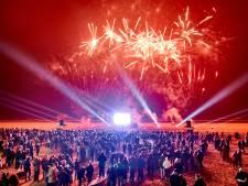 Vuurwerkshow in Hoek van Holland hangt nog steeds in de lucht