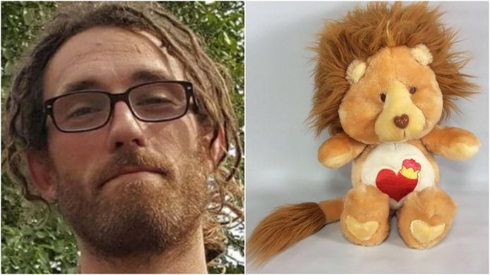 De familie van de vermoorde Leander Quintyn is op zoek naar zijn troetelbeer 'Brave Heart Lion'.