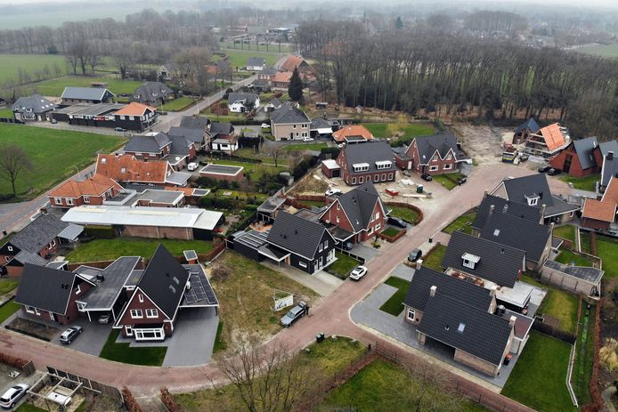 Op Plan Loosan wordt al volop gebouwd. Maar nu krijgen ook starters een kans, aan de Ootmarsumseweg.