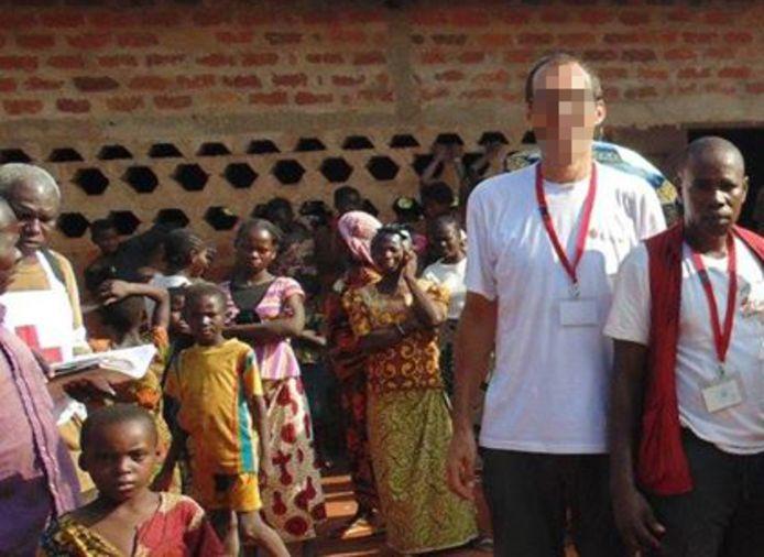 De pater stond in de Centraal Afrikaanse Republiek aan het hoofd van een missie voor Caritas en werkte er met kinderen uit kwetsbare gezinnen.