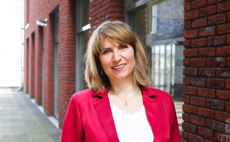 Laurien Saraber volgde in februari Annabelle Birnie op als directeur-bestuurder van het AFK. Gestart als 'kwartiermaker meerjarige subsidies', was zij al sinds 2016 adjunct-directeur bij het fonds. Beeld EVA PLEVIER