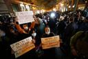 Demonstranten in Napels verzetten zich tegen nieuwe beperkingen