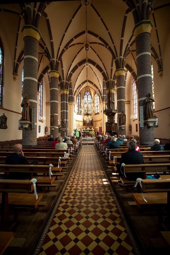 De KBO (Katholieke Bond voor Ouderen) Vasse bestaat 50 jaar. Hierbij wordt stilgestaan in de kerk van Vasse.