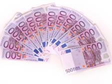 30.000 euro. Dat kostte het leegpompen van de drugsboot in haven Moerdijk. 'En die gaat de eigenaar betalen'