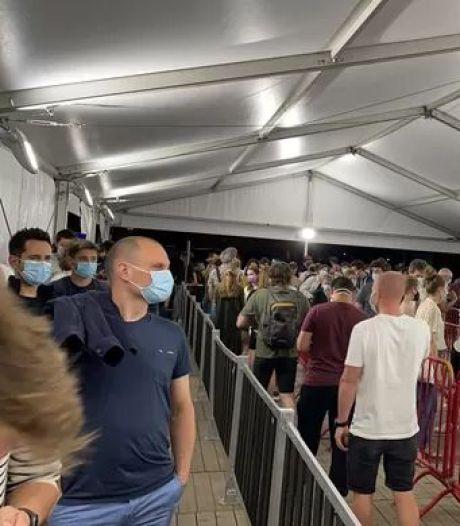 Festival du vaccin à Anvers: un surplus de 500 doses distribué jusqu'après minuit