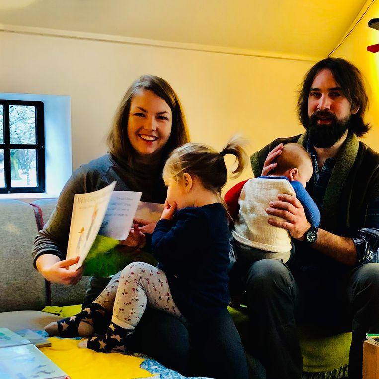 Weer binnen, met Willow (li) en Pippin, Beeld Margriet Oostveen