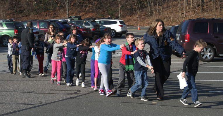 """Jones over de schietpartijen op scholen: """"Allemaal fake. Die leerlingen zijn acteurs!"""" Beeld AP"""