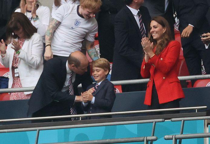 Il principe William, il principe George e Kate fanno il tifo per la squadra britannica