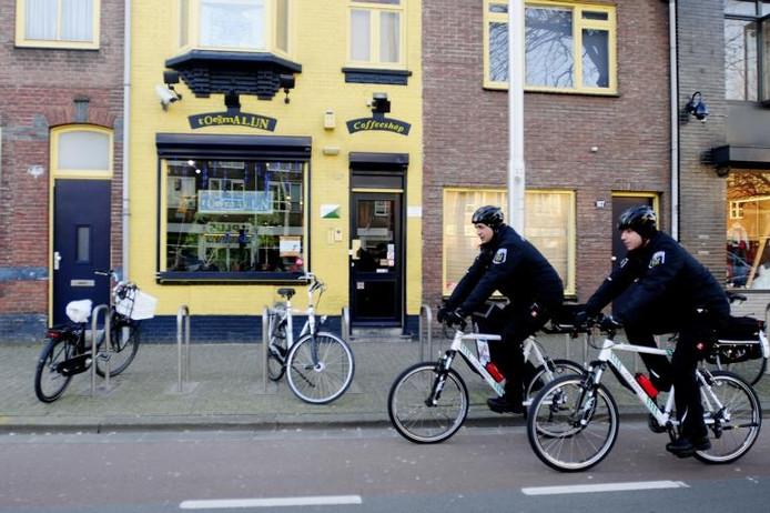 Een Tilburgse coffeeshop aan de Besterdring. Foto Tim Rijnhout/PVE