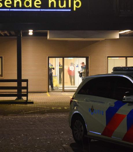 Als een gewonde crimineel zich meldt in het ziekenhuis wordt de politie niet gebeld