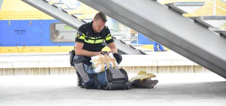 Perron Arnhem en Action Velp weer vrij na ontruiming om vergeten tas en accu