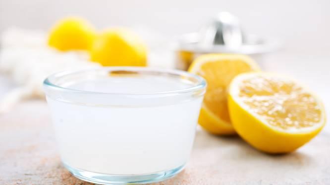 Is dat gezond, de dag beginnen met een glas citroensap in lauwwarm water?